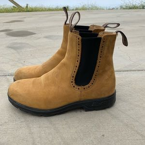 Blundstone high top boots, lightly worn